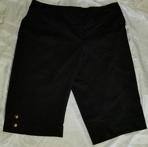 STYLE & CO  Stretch  Sz12 Black with buttons
